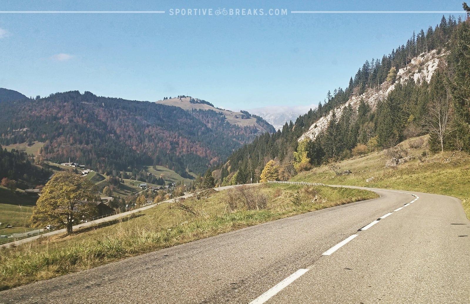 Etape du Tour 2016 Aravis sweeping descent
